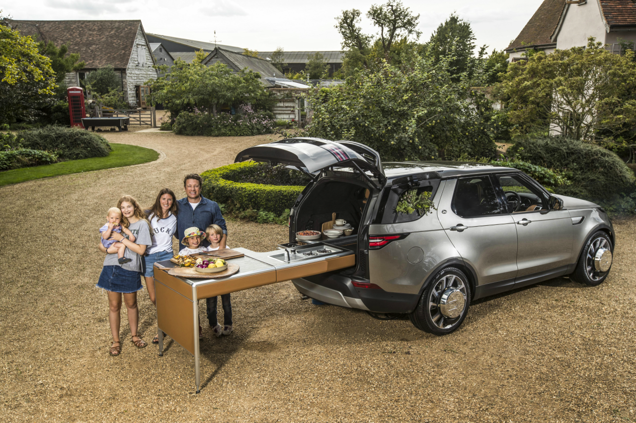 Land Rover Build Jamie Oliver's Dream Kitchen-On-The-Go