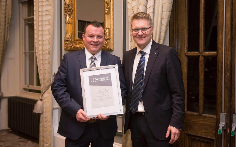 Farnell Land Rover Leeds Parts Manager Rewarded For Out-Standing Performance