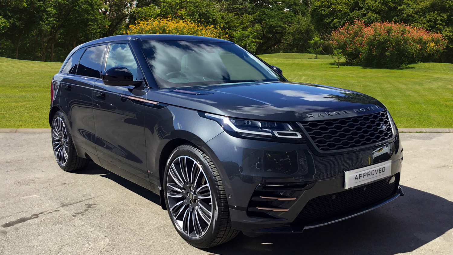 used land rover range rover velar 3 0 p380 r dynamic hse 5dr auto petrol estate for sale. Black Bedroom Furniture Sets. Home Design Ideas