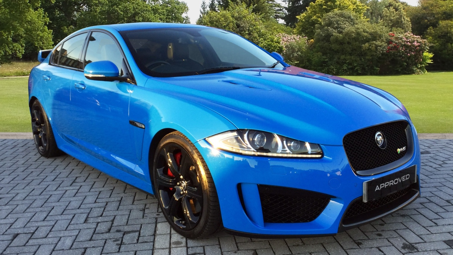 used jaguar xf 5 0 v8 supercharged xfr s 4dr auto petrol saloon for sale farnell land rover. Black Bedroom Furniture Sets. Home Design Ideas