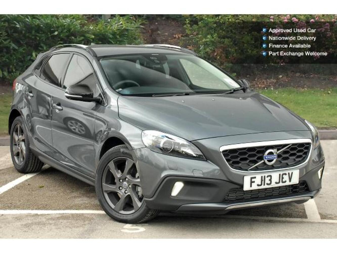 used volvo v40 d4 cross country lux nav 5dr geartronic diesel hatchback for sale farnell land. Black Bedroom Furniture Sets. Home Design Ideas