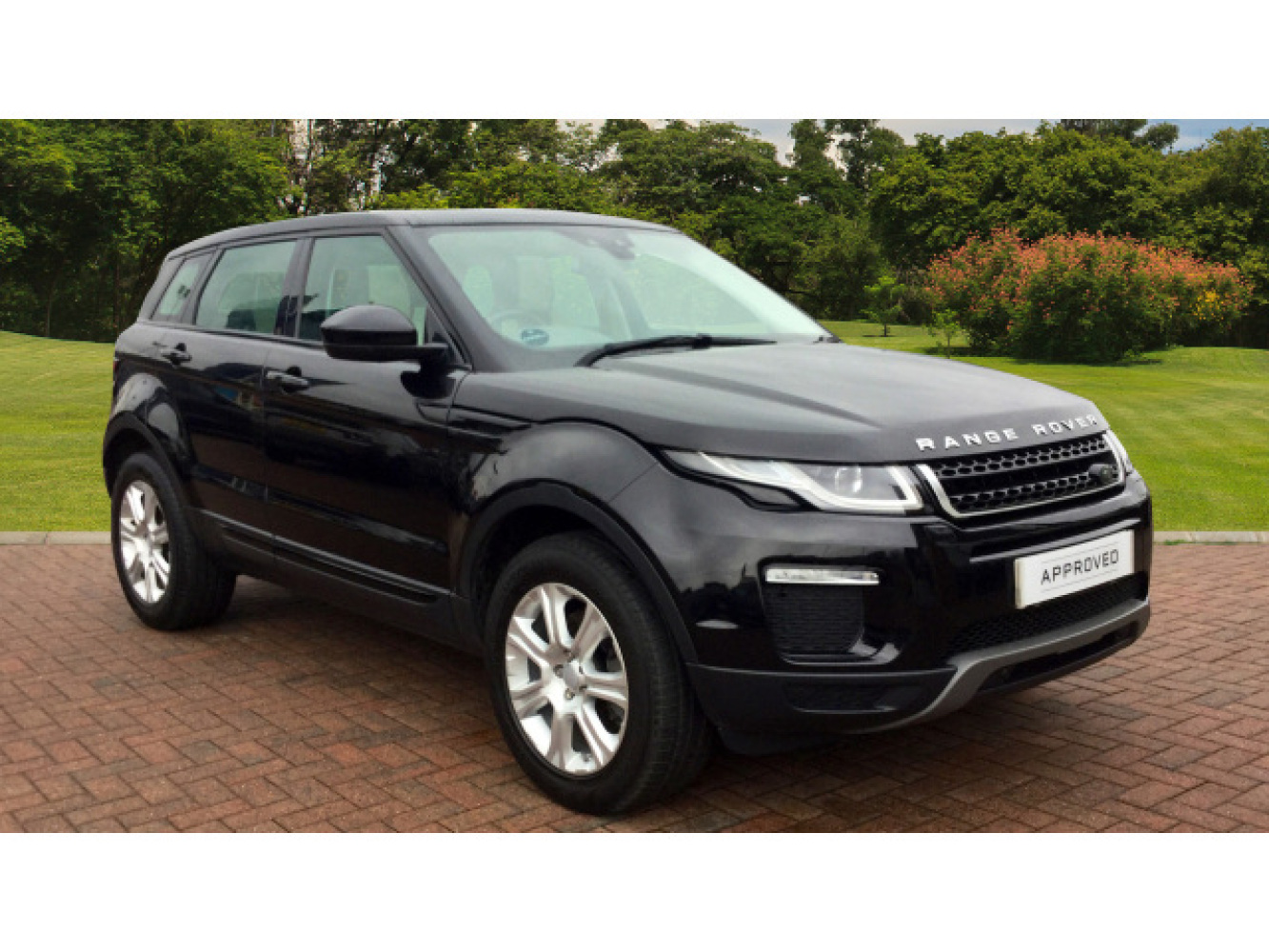 used land rover range rover evoque 2 0 td4 se tech 5dr diesel hatchback for sale farnell land. Black Bedroom Furniture Sets. Home Design Ideas